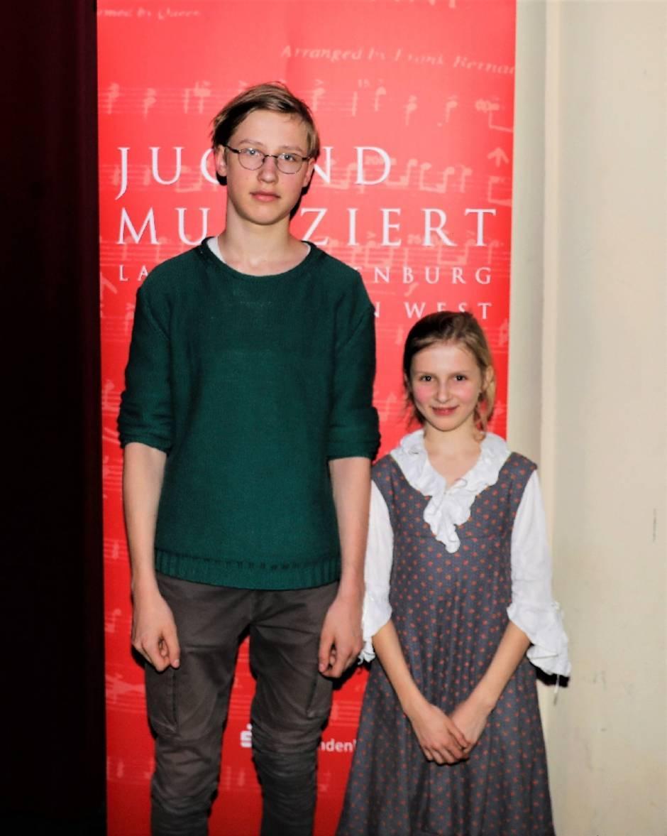 Mathilda Hensky (Klavier) und ihr Bruder Emil aus Görzke (Schlagwerk)
