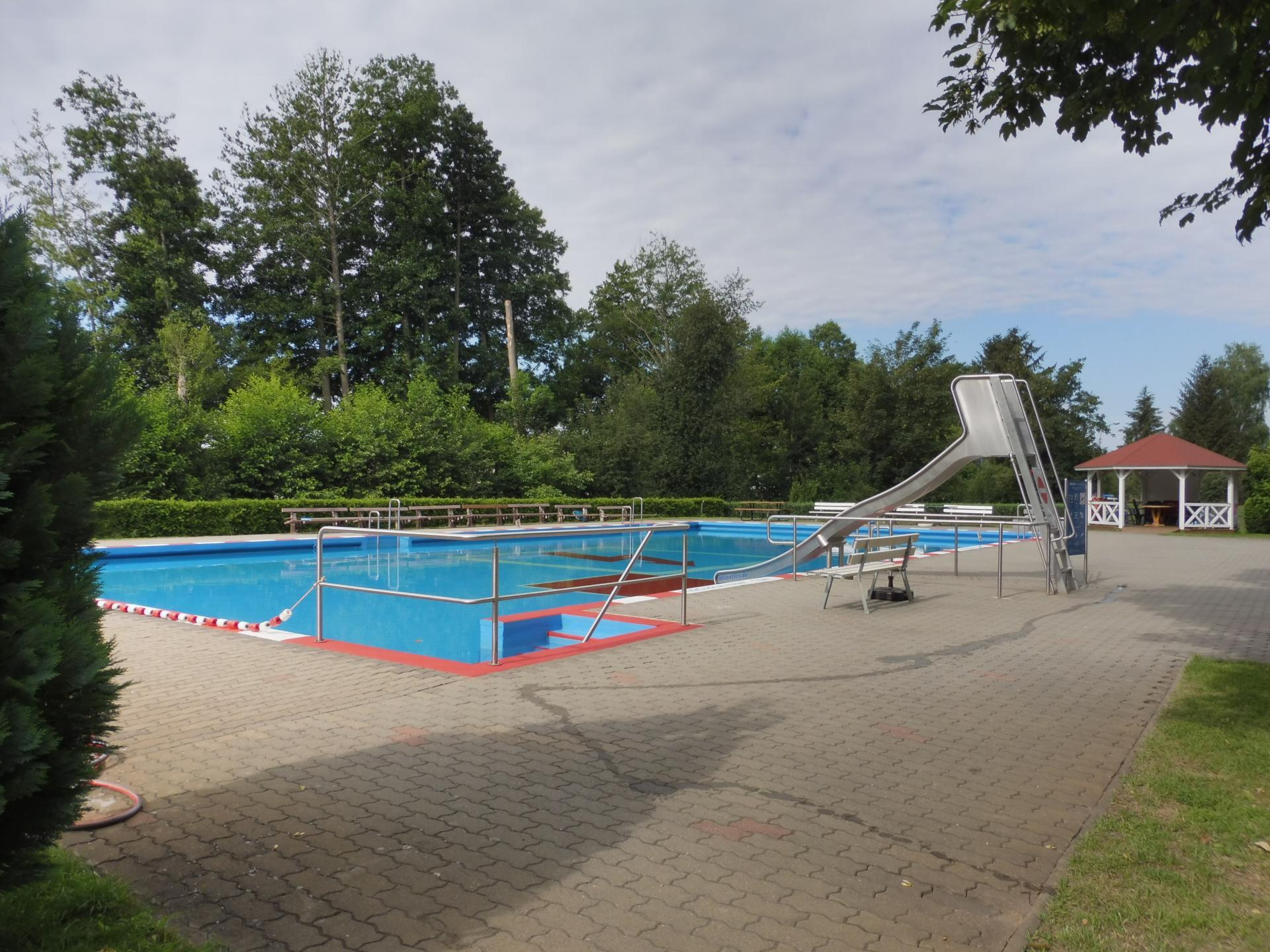 Schwimmbad Golzow