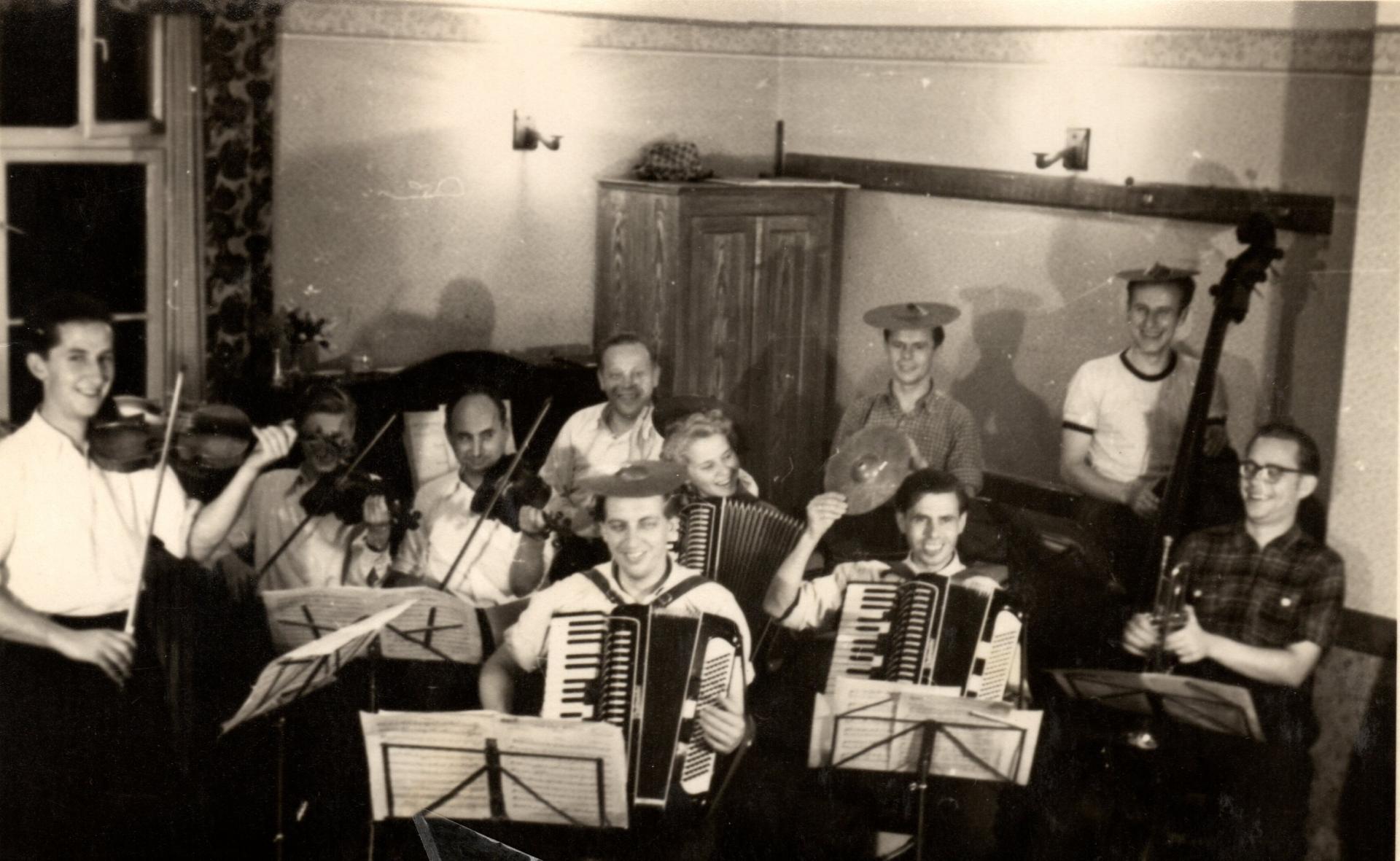 Die Musikgruppe in ihren Anfängen