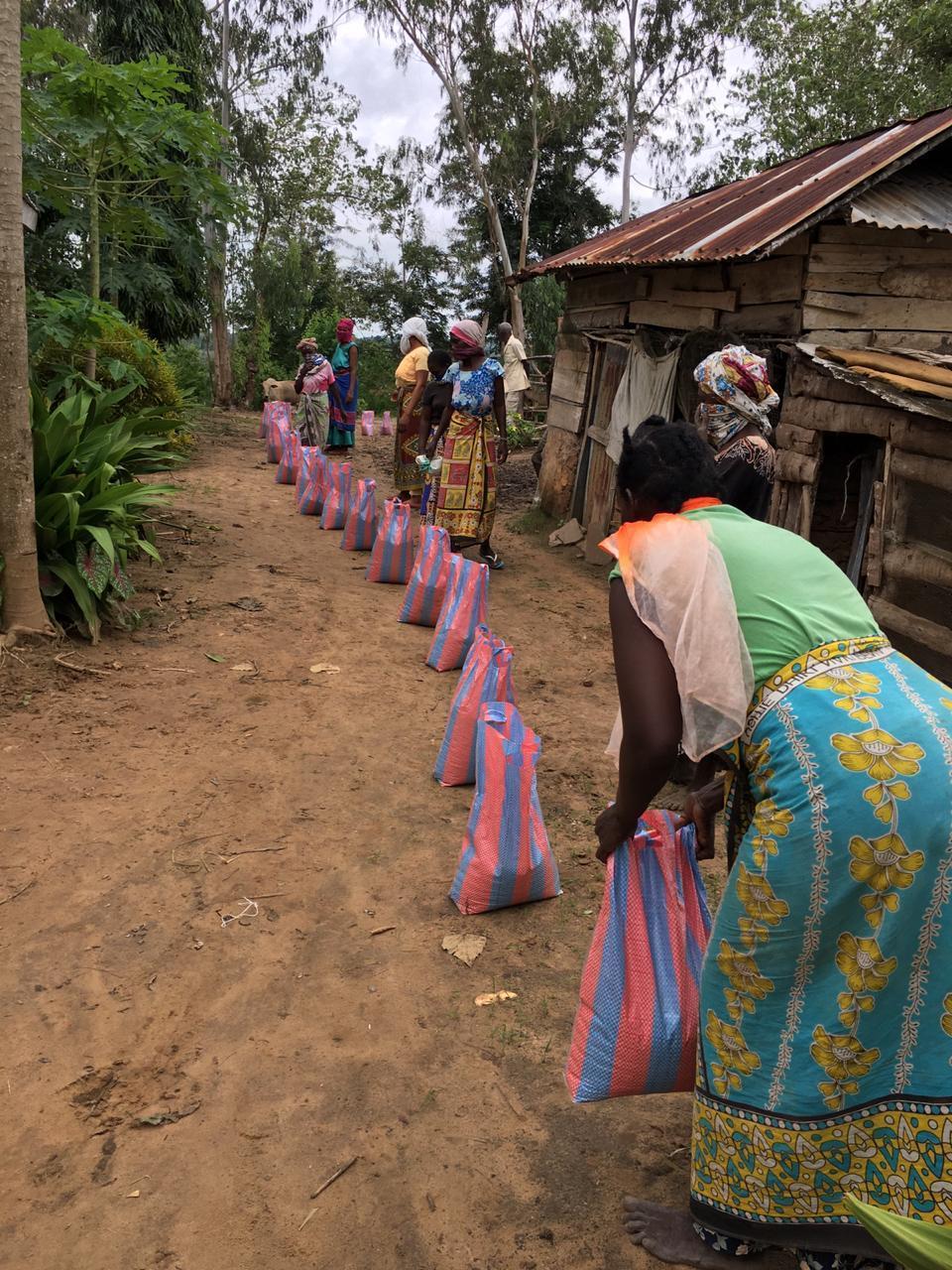 Verteilung Hilfspakete