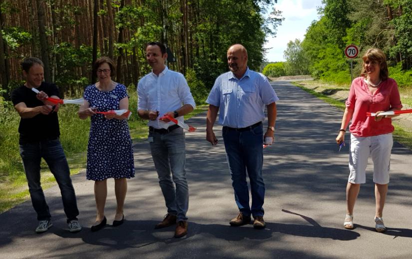 Straßenbau Golzow-Grüneiche: Feierliche Eröffnung
