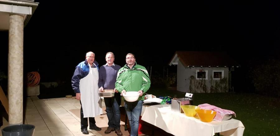 Küchenteam mit Gastgeber
