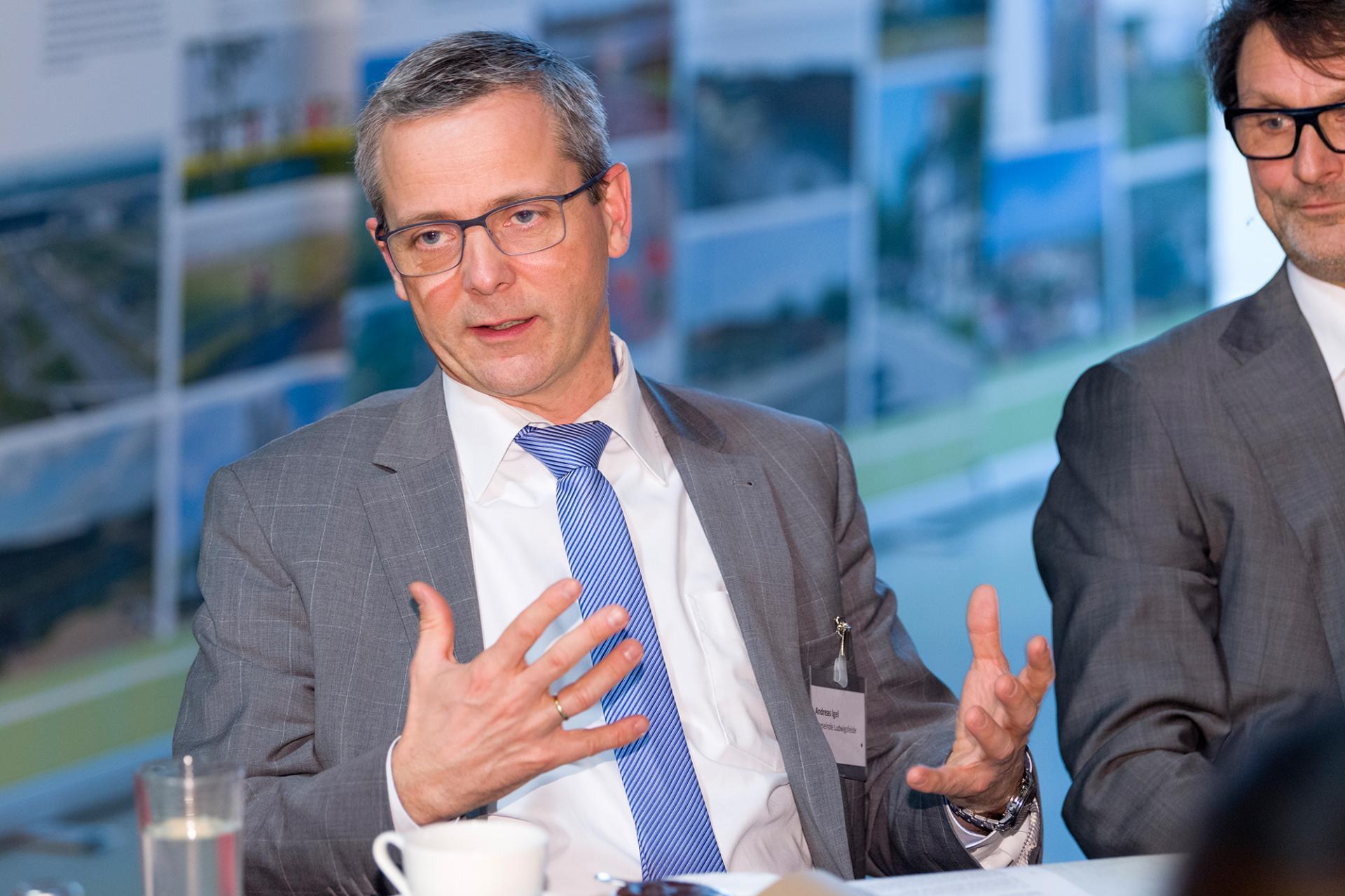 Andreas Igel, stellvertretender Vorsitzender des Dialogforums, Leiter der AG 3 Kommu-nale und interkommunale Entwicklung im Dialogforum und Bürgermeister der Stadt Ludwigsfelde