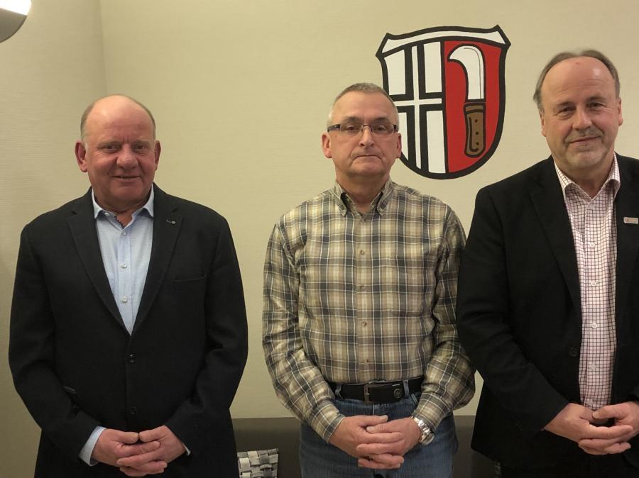 Ortsgericht und Schiedsamt v.l. Ortsgerichtsvorsteher Stefan Keller, Schiedsmann Uwe Klingelhöfer, Bürgermeister Werner Dietrich