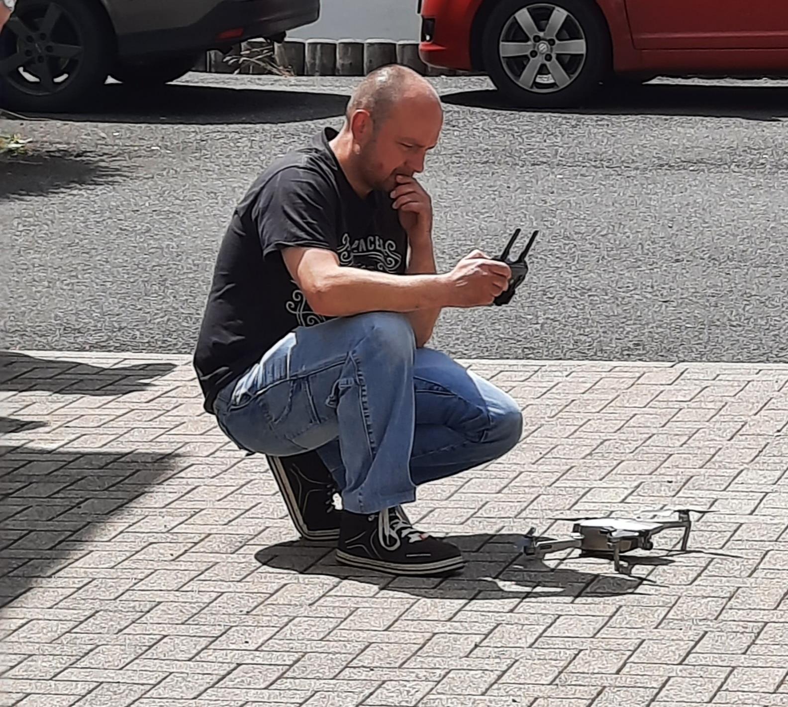 Andre Werner unterstützte den Verein technisch mit seiner Drohne