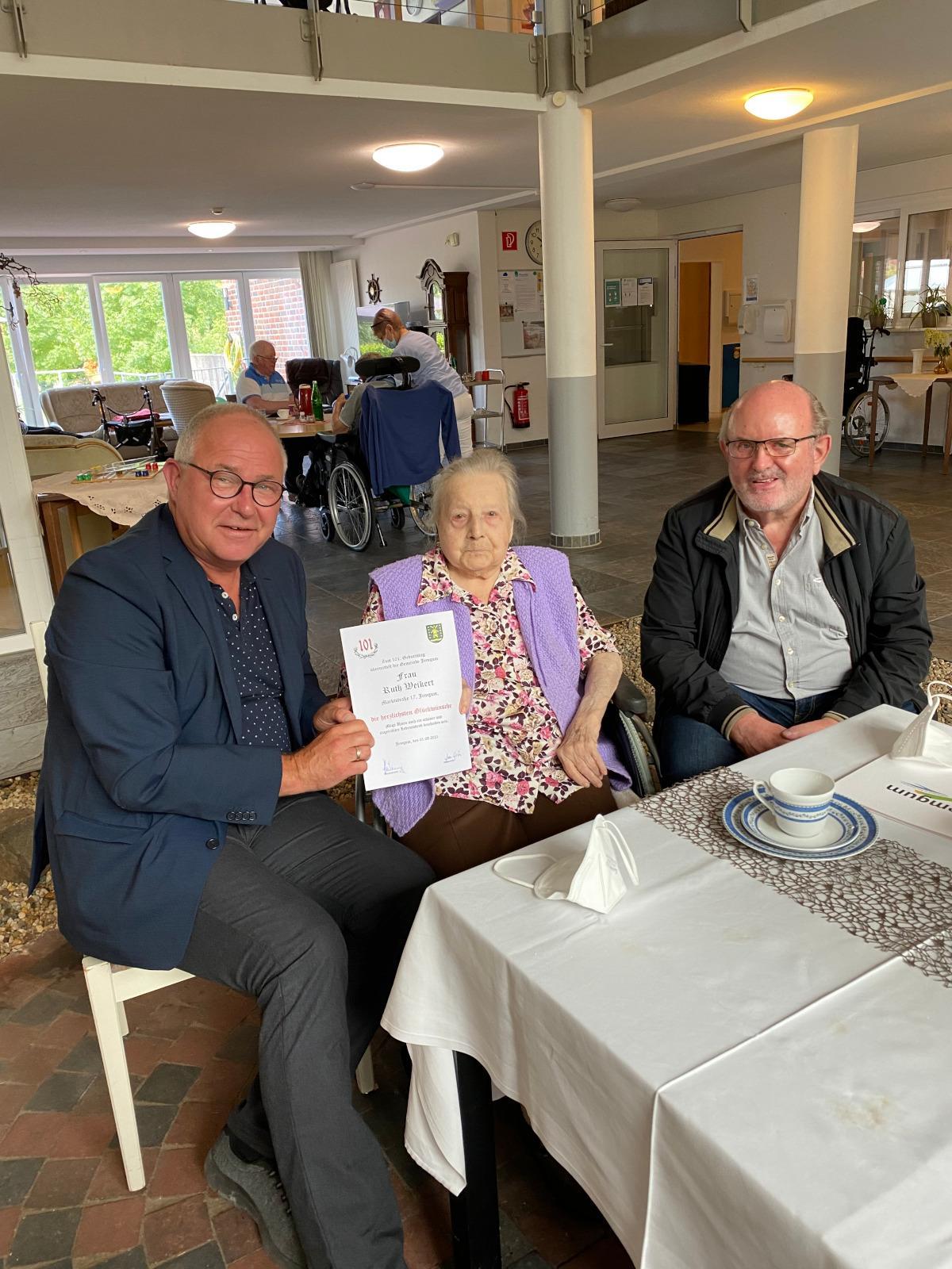 Ruth Weickert feierte 101. Geburtstag Facebook