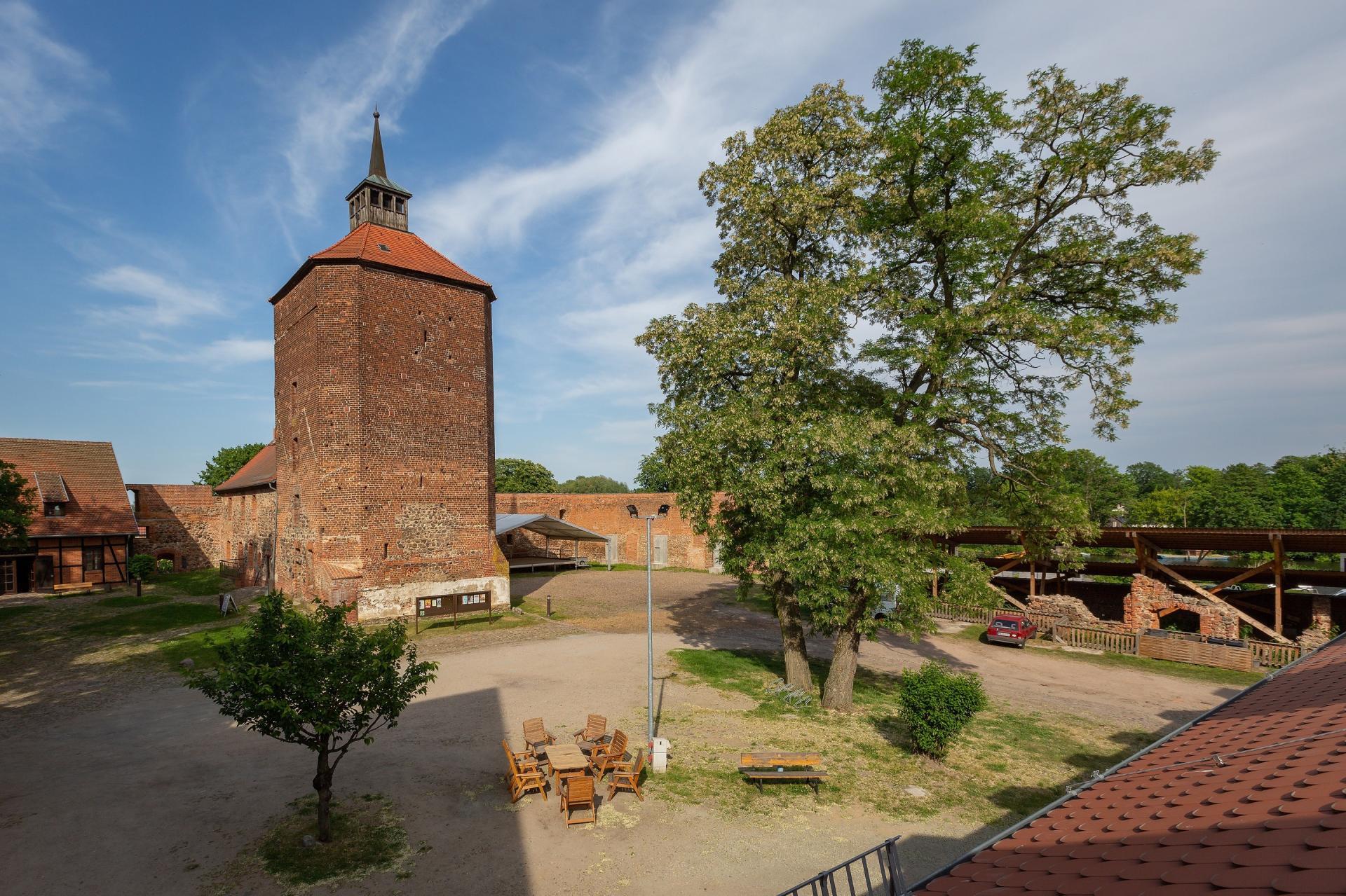 Burghof Burg Beeskow