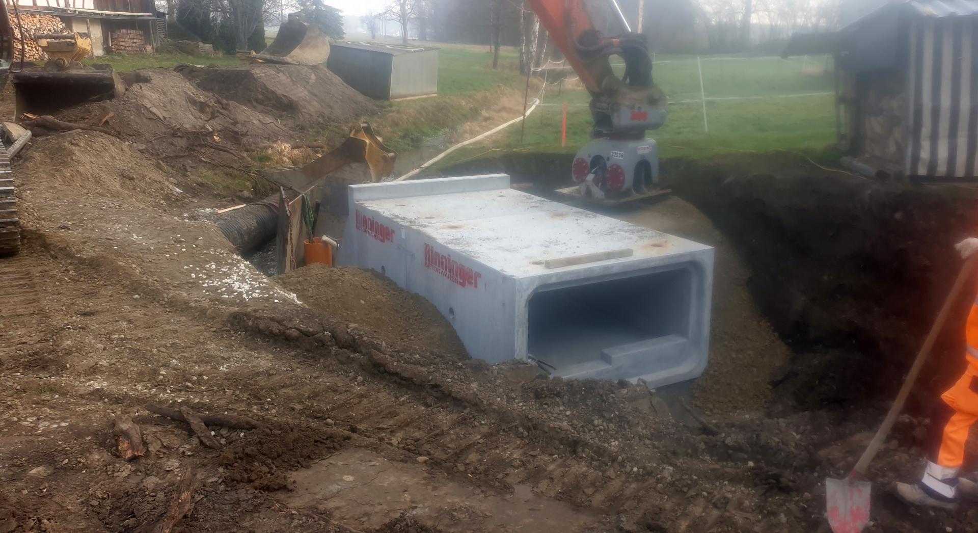 Baumaßnahmen am Durchlass in Ebratsweiler