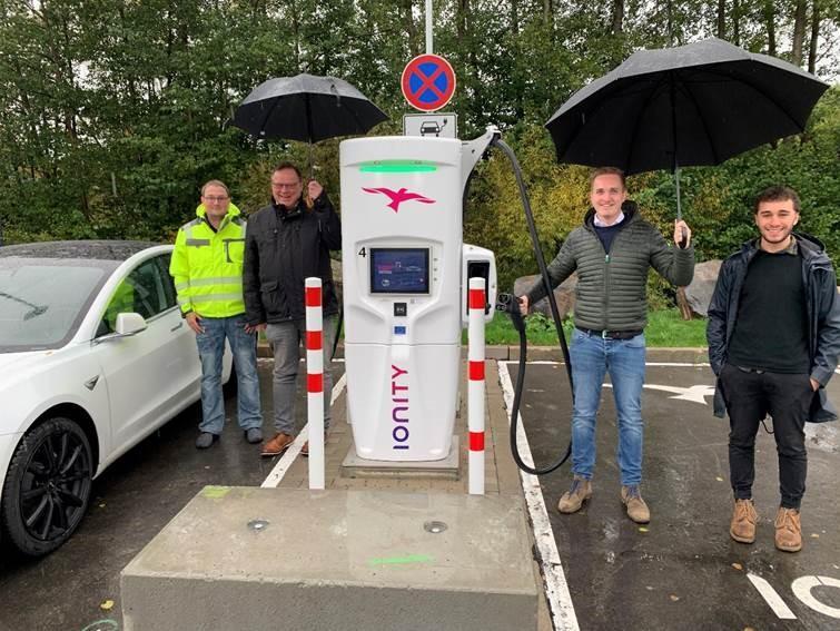 ARAL-Autohof in der Industriestraße in Kirchheim verfügt über vier Ladepunkte mit modernster Ladetechnologie