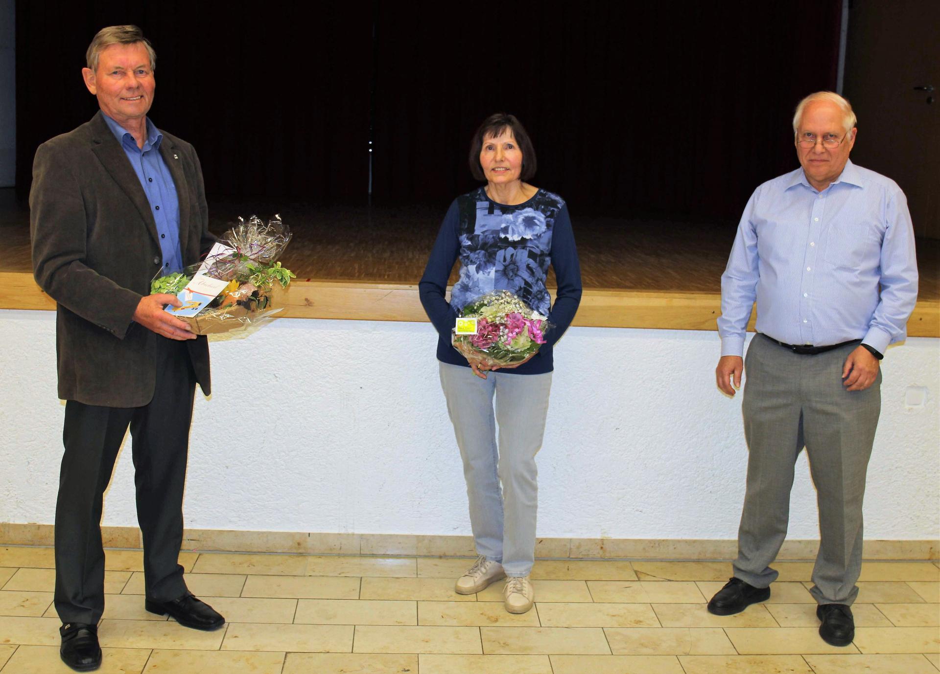 v.l.n.r.: Günter Klar, Irmela Schulze und Karl Ost