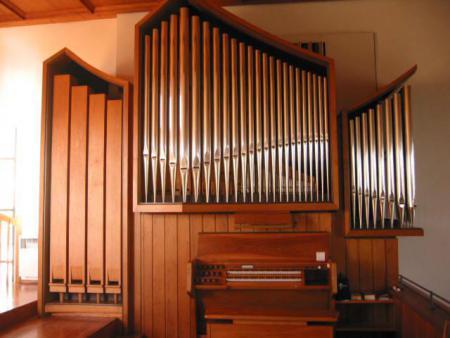 (Die Asselfinger Kirchenorgel, gebaut von der Fa. Link 1971 mit 904 Pfeifen)