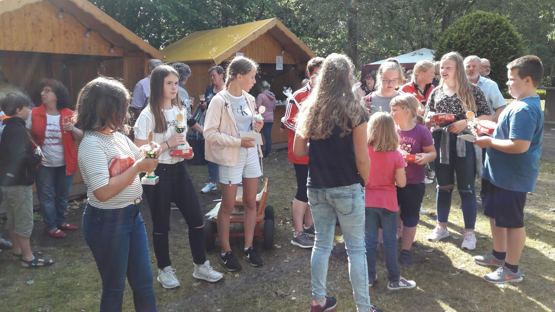 Siegerehrung des Sommerfestes in Moorweg