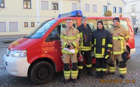 01_Kameraden der Jugendfeuerwehr.jpg