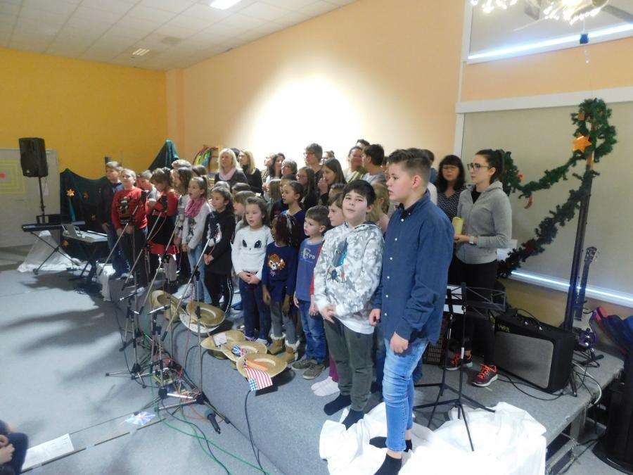 Lehrer und Chor