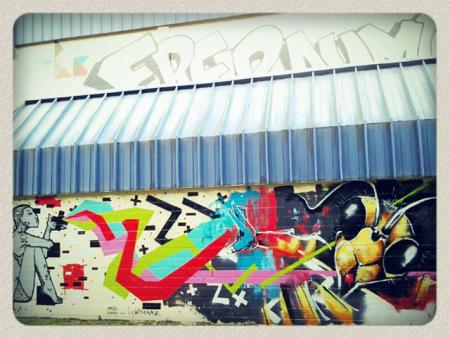 Bild zeigt Kunst auf einer Gebäudewand