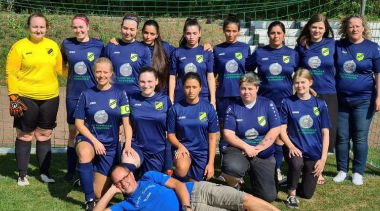 Damen_Mannschaftsbild_2021-2022