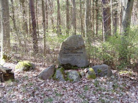 Gedenkstein Forstmeister von Hövel