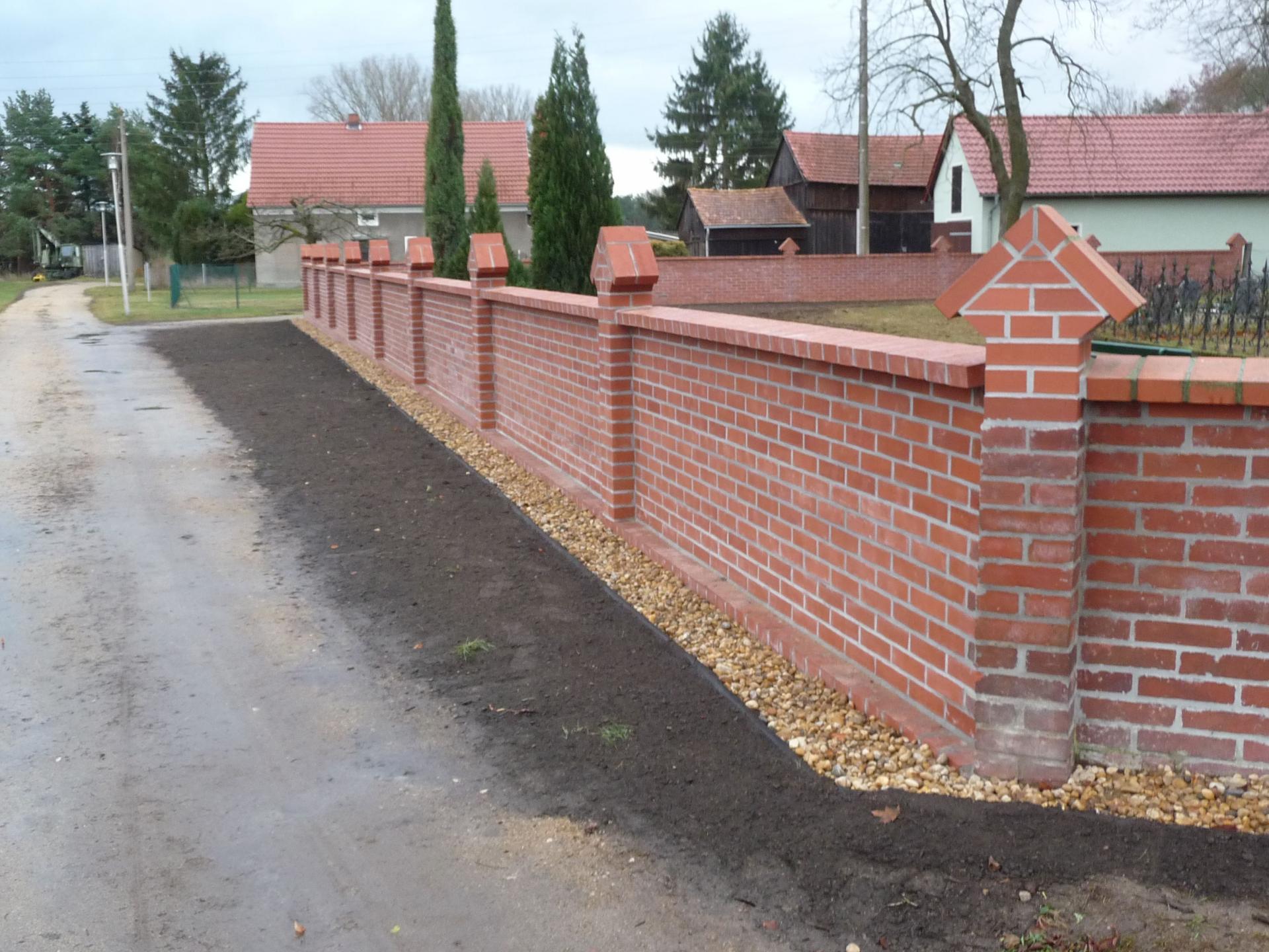 Friedhofsmauer Uhsmannsdorf