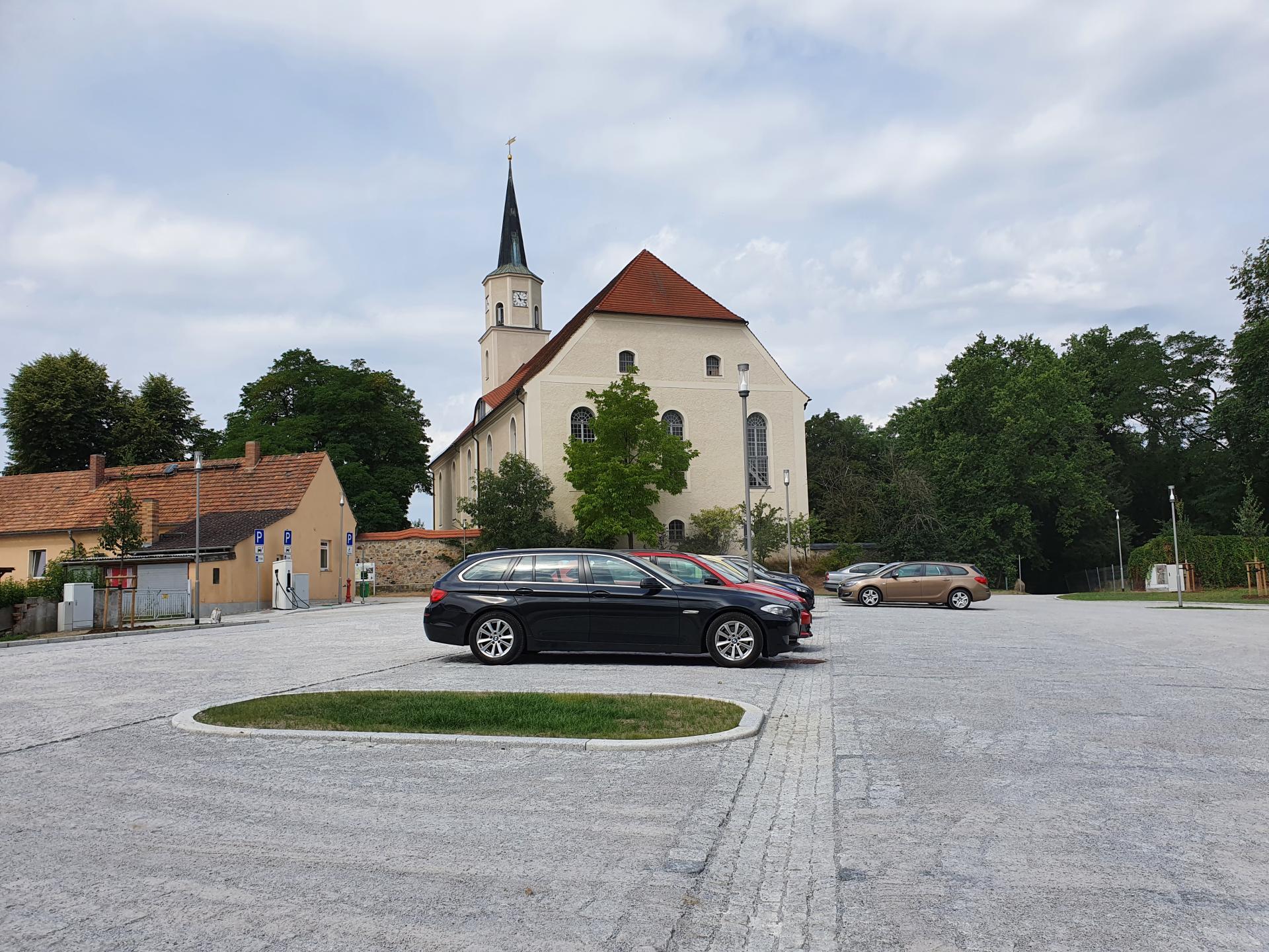 Schlossplatz 2