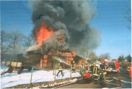 2001-02-28 SKB Großfeuer zerstört historische Scheune 1