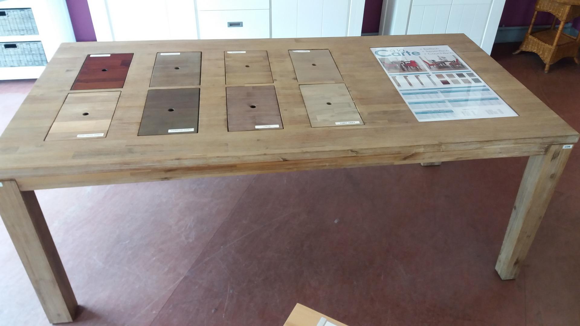 Tisch für Verkaufsraum Tagungsraum