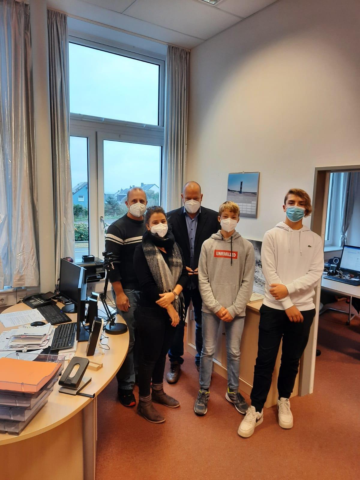 SV-Team mit Schulleiter