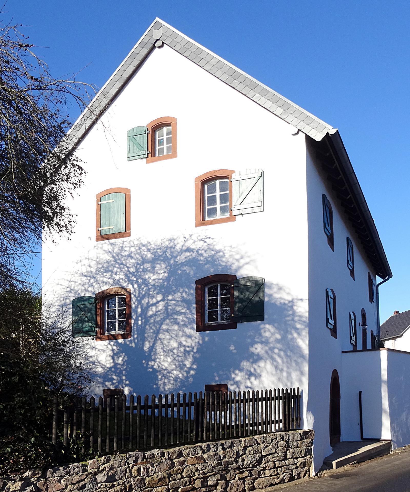 Haus Dederes, Waldorfstraße 1