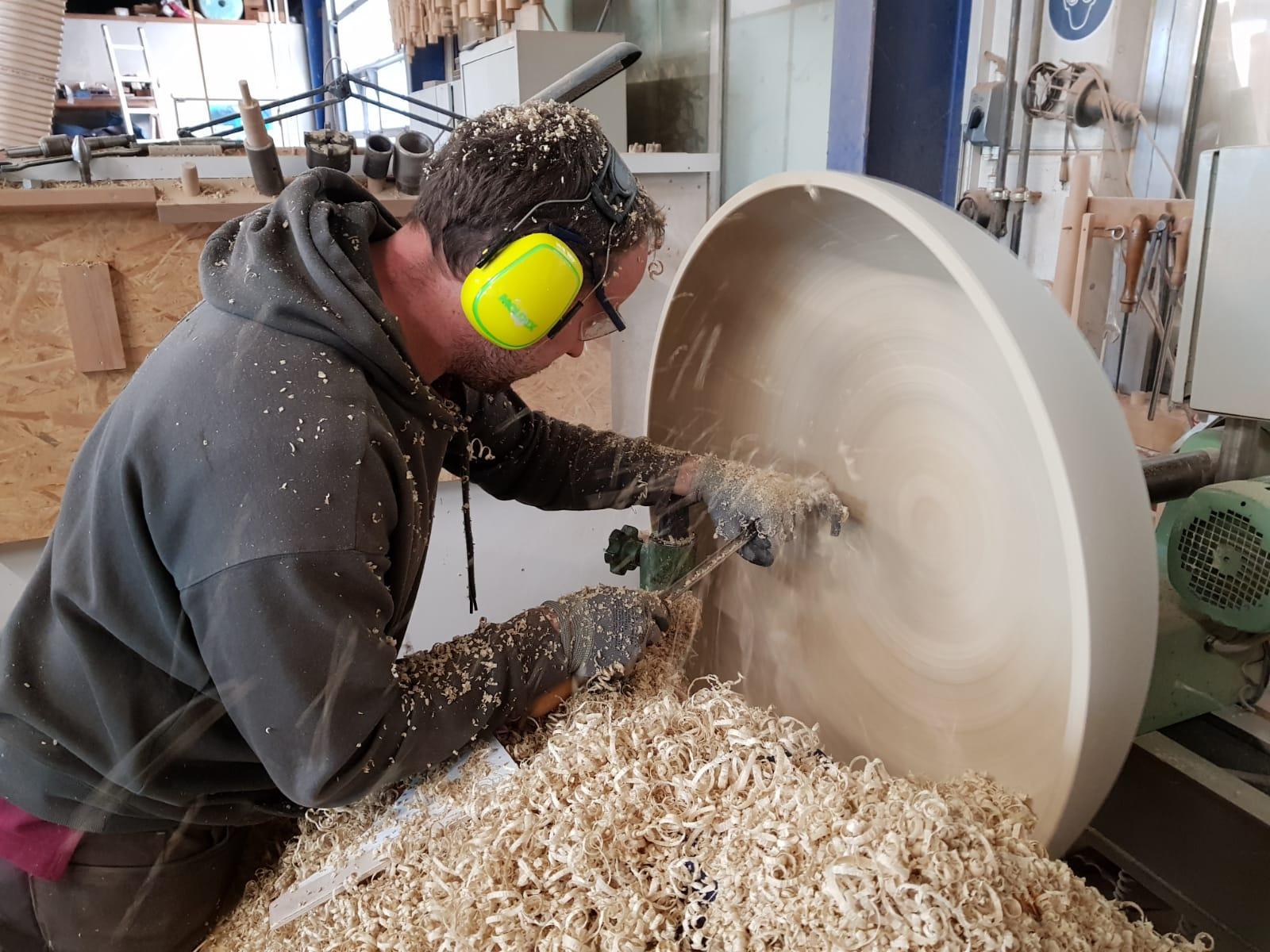 Drechseln einer Holzschale