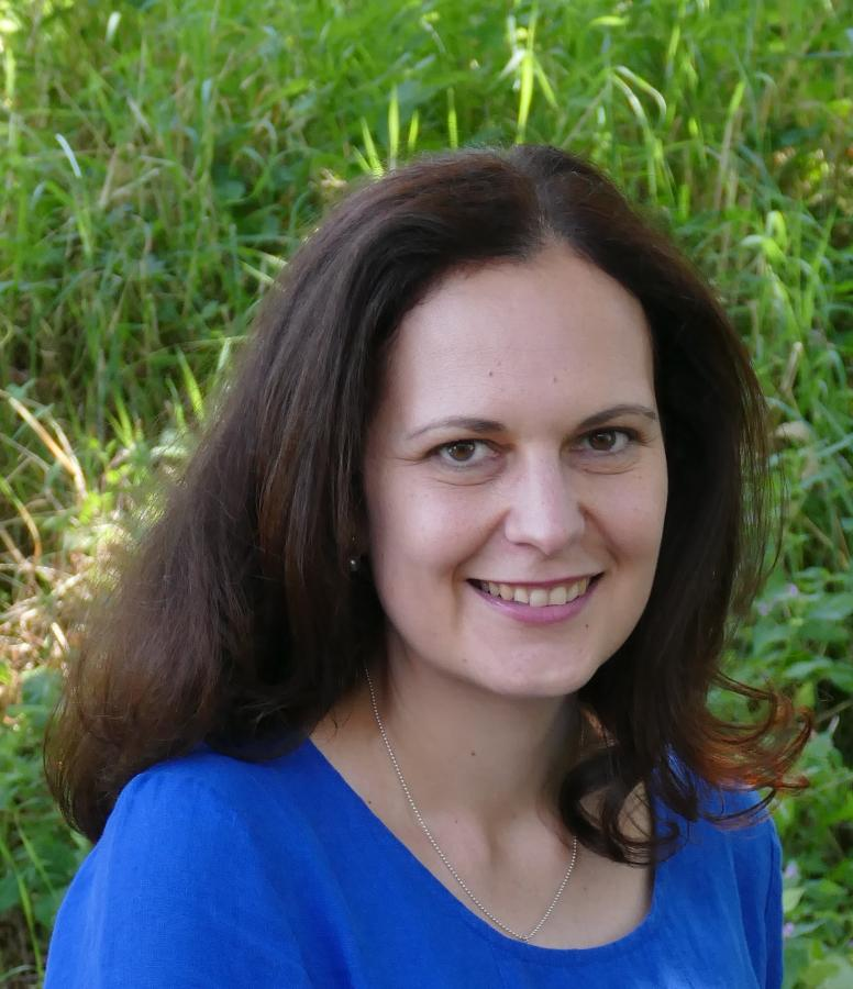 Dr. Cristina Niculescu