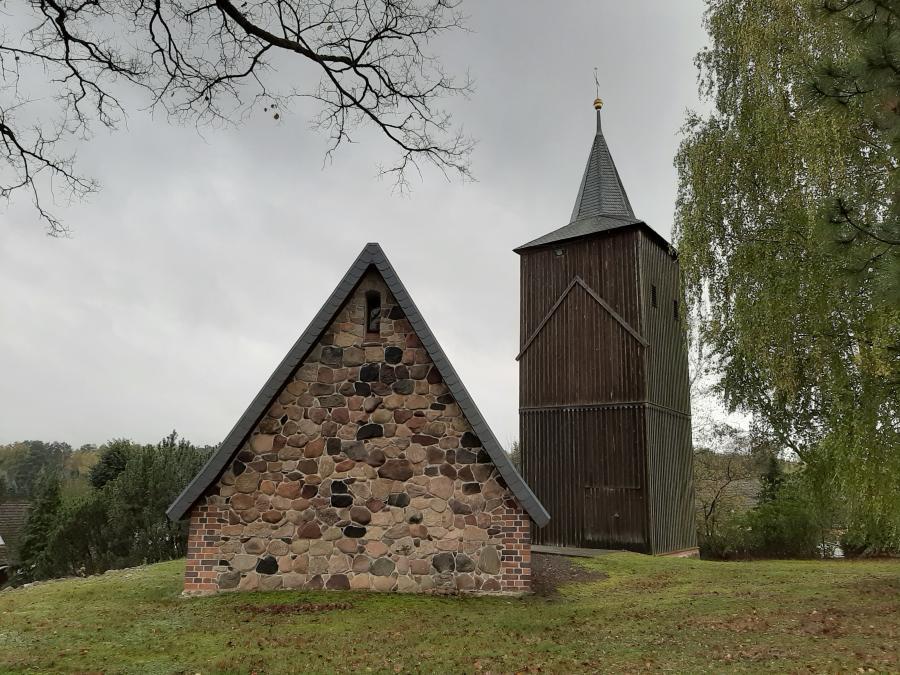 Kirche Henzendorf Foto: Besucherinformation Neuzelle
