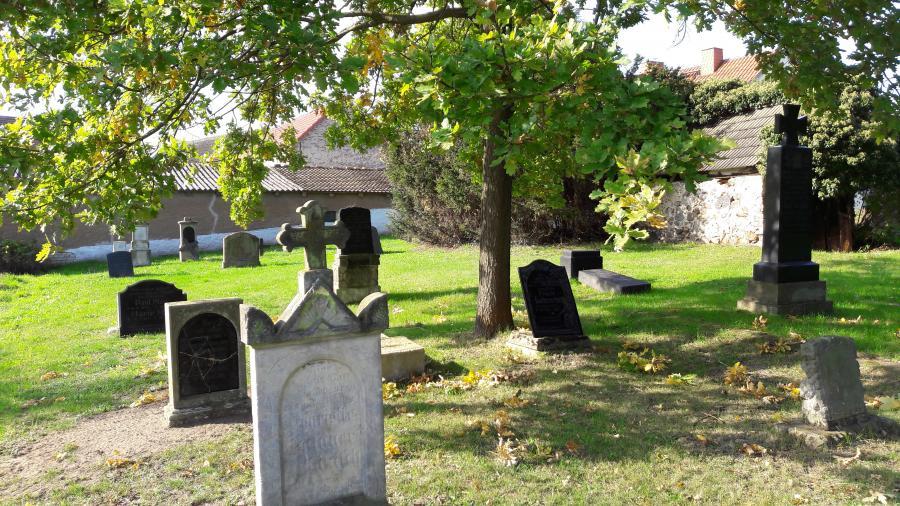 Friedhof Breslack Foto: Besucherinformation Neuzelle