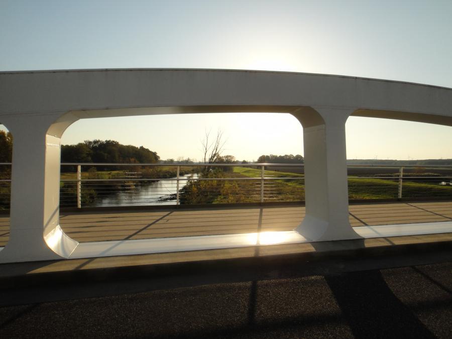 Coschen Brücke Neißewelle Foto: Besucherinformation Neuzelle