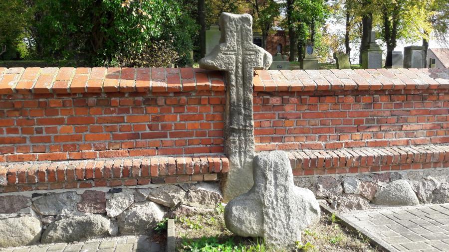 Sühnekreuz Wellmitz am Friedhof Foto: Besucherinformation Neuzelle
