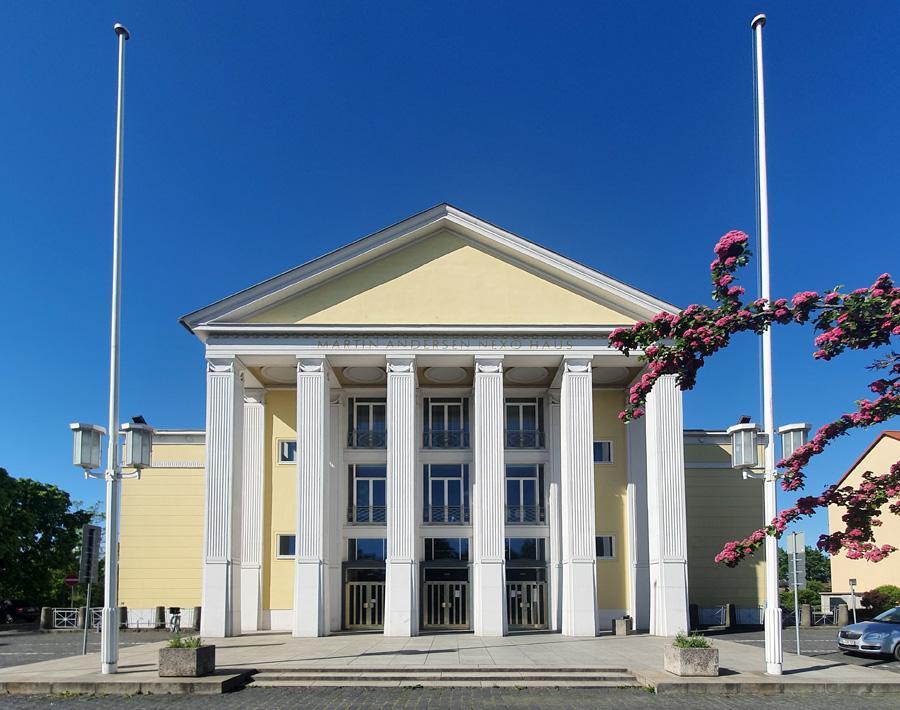 Kulturhaus im Frühling