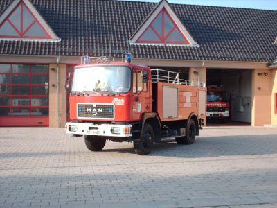 tankloeschfahrzeug_tlf_16_45_typ_brandenburg.jpg
