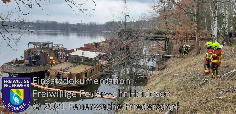 Einsatz 37/2021 | Ölaustritt aus Schubkahn | Neubrück WFL Hölzerner See | 10.04.2021