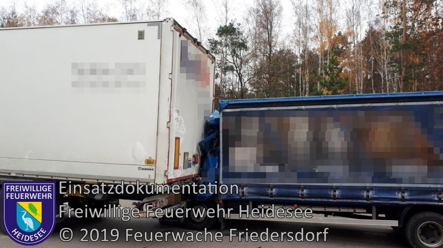 Einsatz 168/2019 | VU 2x LKW, 1x PKW und 1x Transporter | BAB 10 AD Spreeau - AS Niederlehme | 26.11.2019