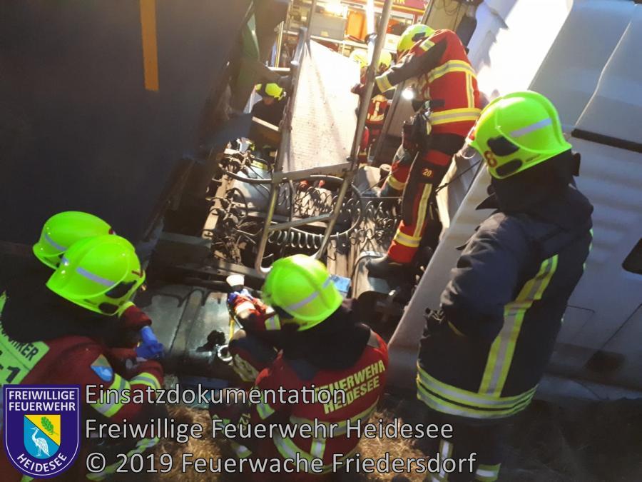 Einsatz 173/2019 | VU LKW in Bankett | BAB 10 AD Spreeau - AS Niederlehme | 11.12.2019