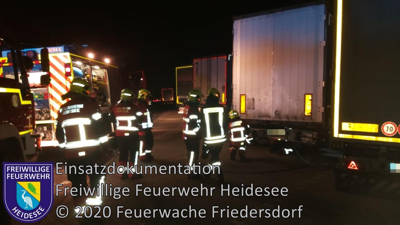 Einsatz 150/2020 | Heißgelaufende Bremse | BAB 10 Rastplatz Ukleysee | 23.11.2020