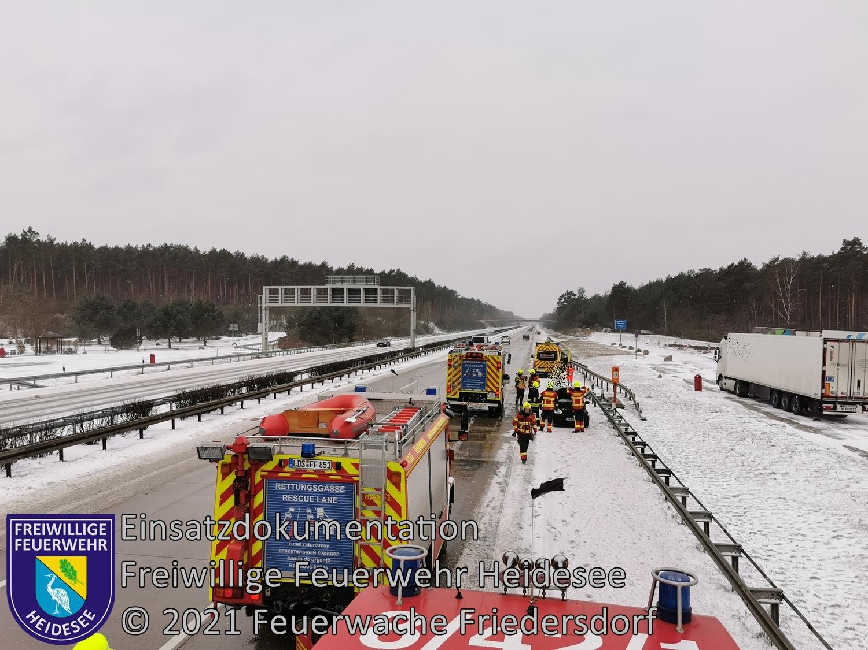 Einsatz 15/2021 | PKW in Leitplanke | BAB 10 AD Spreeau - AS Niederlehme | 07.02.2021