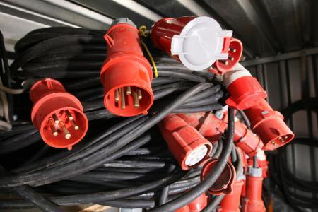Kabel + Verlängerungen