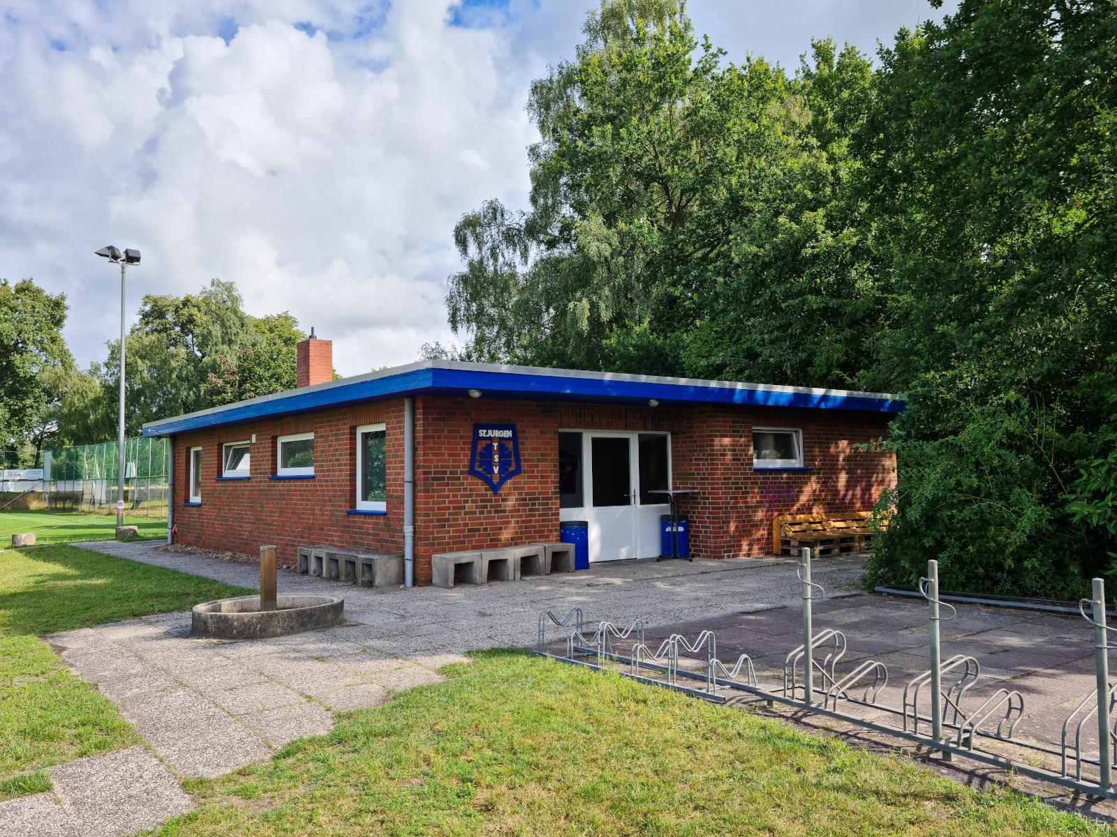 2021-08_TSV-Umkleidehaus