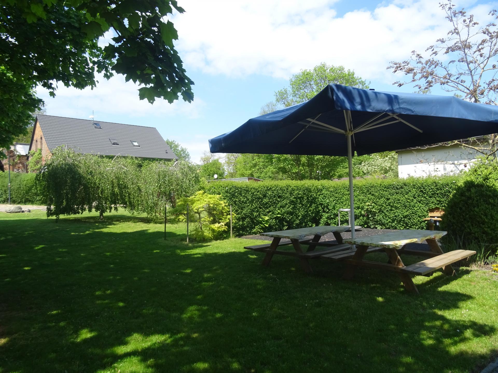 Terrasse im Innenhof   Foto: Info Punkt Lebus