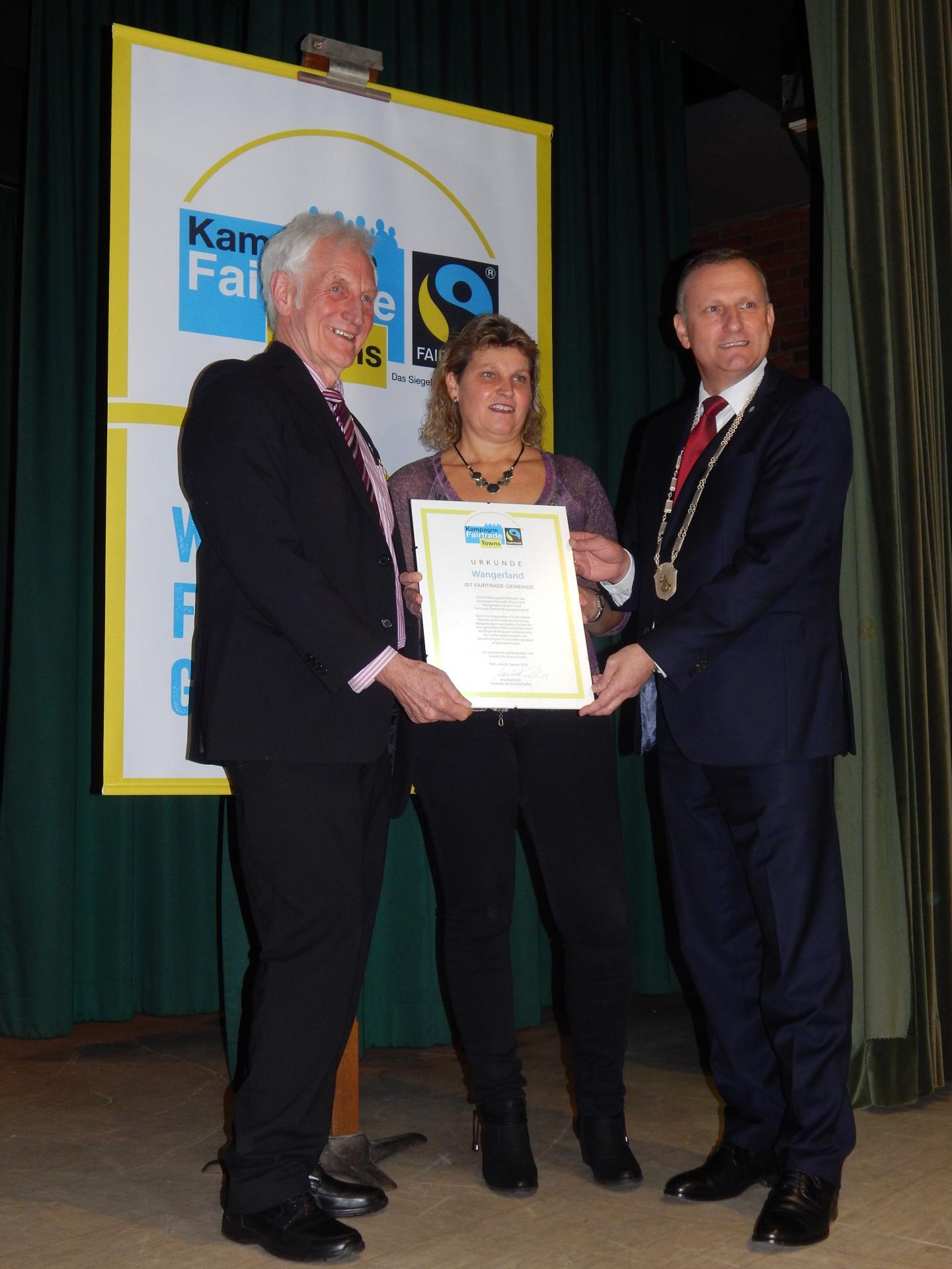 Verleihung Urkunde Fairtrade