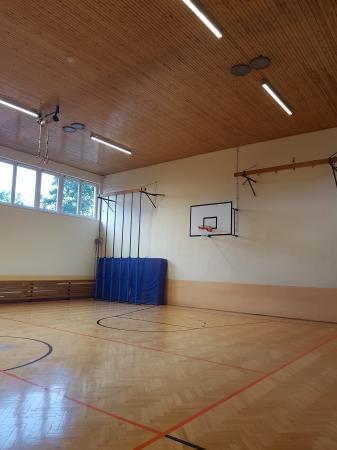 Turnhalle2