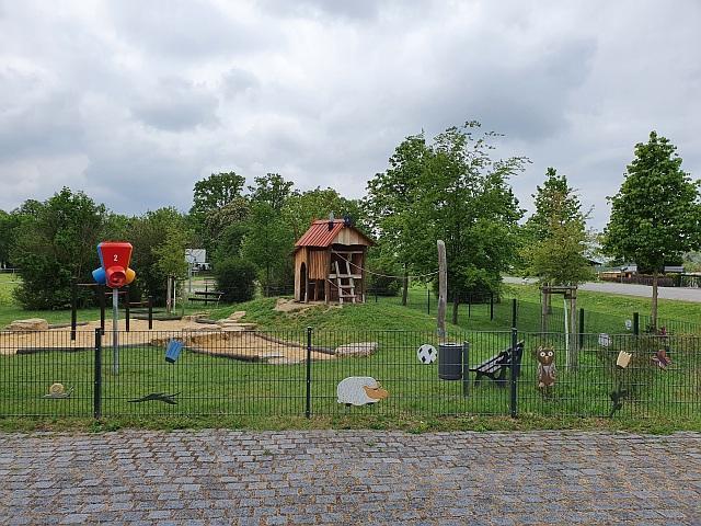 Der Spielplatz am Sportplatz