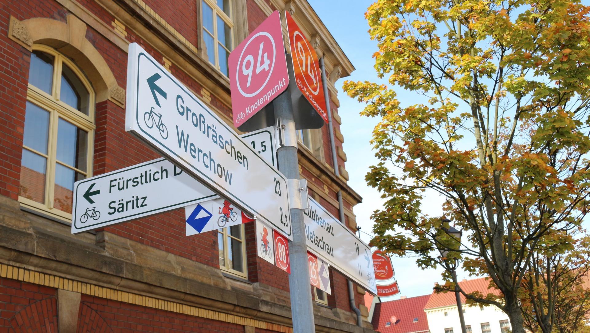 Knotenpunktwegweiser. Foto: Stadt Calau / Jan Hornhauer