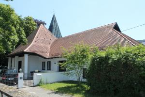 evang. Gemeindehaus mit Kirche