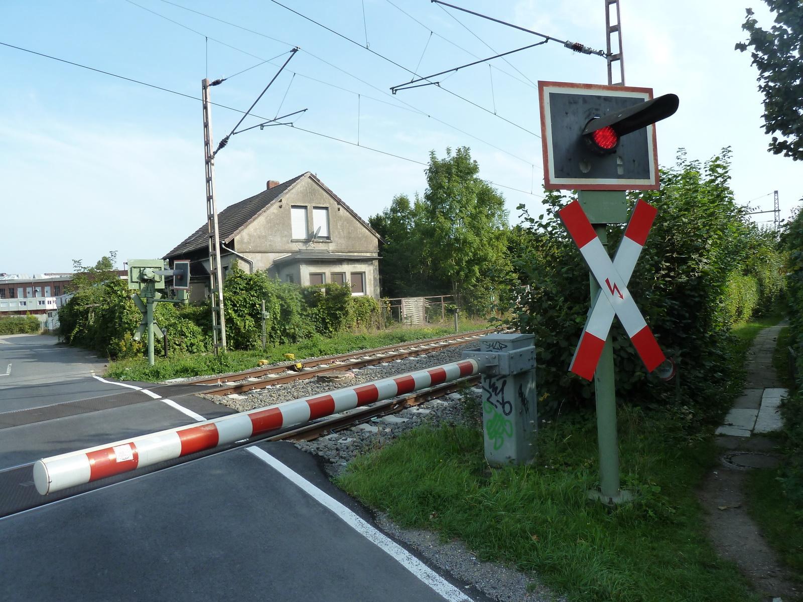 Bahnhübergnag Schäferkampstraße im Jahre 2020
