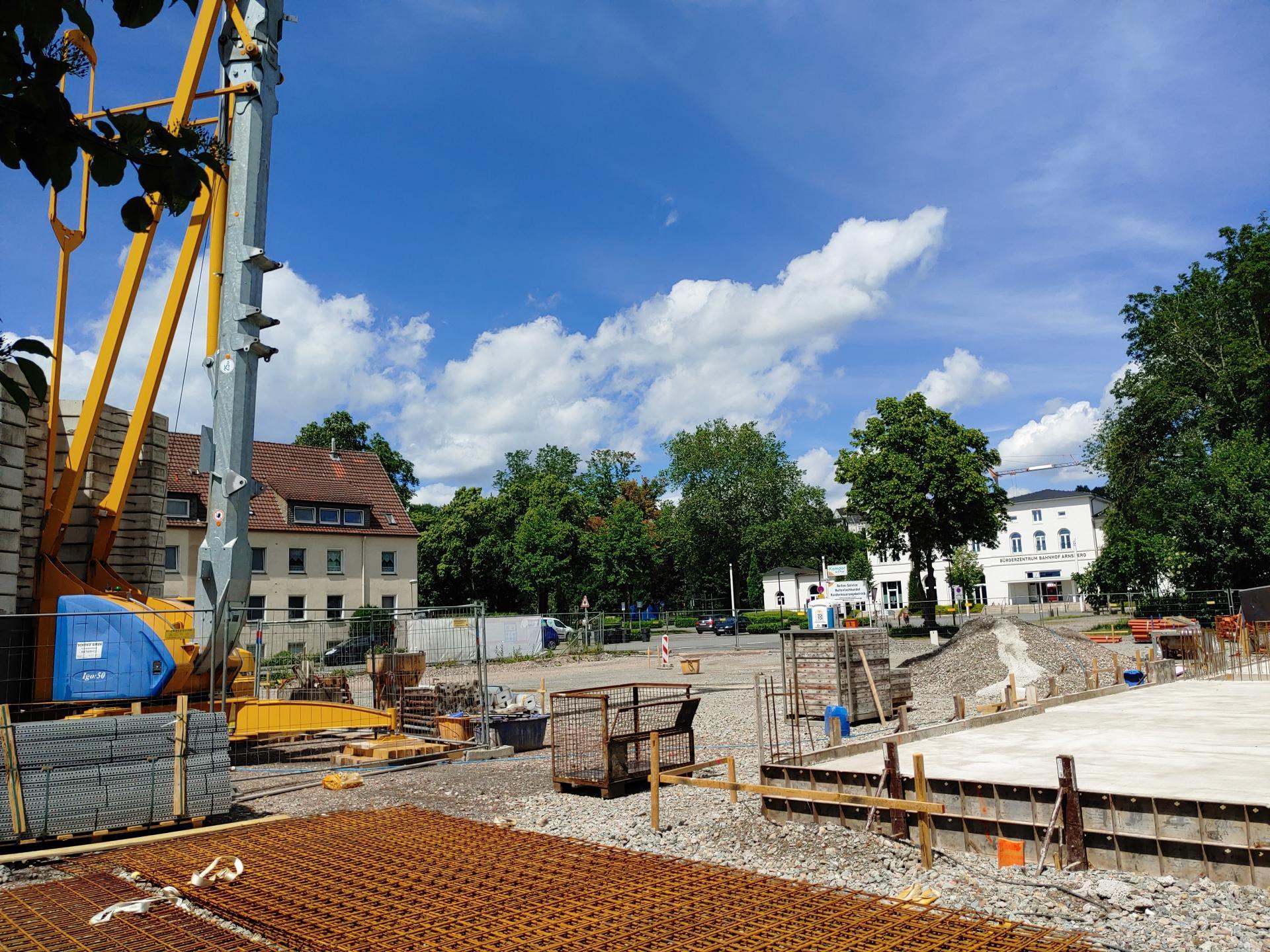 Grundstück nach erfolgter Gebäudeabsteckung